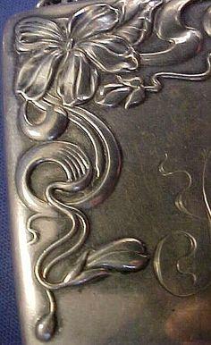 Art Nouveau Violet Sterling silver Purse on Chain