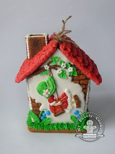 Springtime gingerbread house by My Lovely Cookie