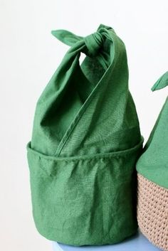 Two upper flaps. More pics on page; likely help construction. Japanese Bag, Crochet Market Bag, Craft Bags, Linen Bag, Cotton Bag, Knitted Bags, Cloth Bags, Sewing Clothes, Bag Making