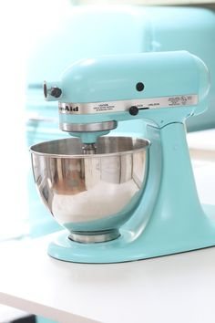 How To Paint a KitchenAid Mixer a New Color (Apartment Therapy)Pin itWere you the lucky recipient of a shiny new stand mixer over the holidays? Kitchen Aid Recipes, Kitchen Aid Mixer, Kitchen Hacks, Kitchen Tools, Kitchen Gadgets, Kitchen Appliances, Kitchen Aide, Small Appliances, Kitchen Stuff
