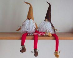 folletti e gnomi fai da te Gnome Tutorial, Gnome Ornaments, Herb Garden Design, Christmas Gnome, Christmas Decorations, Christmas Ornaments, Homemade Christmas, Holidays And Events, Holiday Crafts