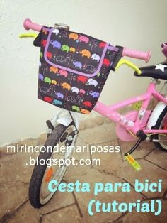 BIKE Bag for big or little kids-great! site in English or Spanish. Love Sewing, Sewing For Kids, Diy For Kids, Gifts For Kids, Sewing Projects For Beginners, Sewing Tutorials, Sewing Crafts, Crochet Velo, Bike Seat Cover