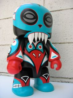 Totem Lucha 16-inch Toyer Qee
