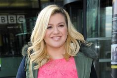 Kelly Clarkson at Salford Quays  #kellyclarkson #mediacity #celebpics  Celebrity news, gossip & pictures - Manchester Evening News