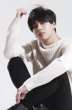 Esse menino não tem piedade de mim não ne???? Ele só sabe me dá tiros e mais tiros!!!! ❤❤❤ Lee Taemin