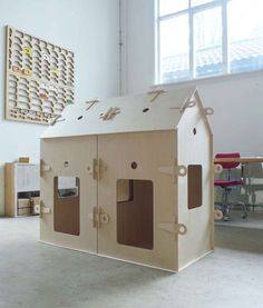 Barnerom Plywood House, Kids Awards, Outdoor Games, Outdoor Decor, Wendy House, Lightsaber, Kid Spaces, Kids House, Play Houses