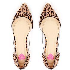 Posh Flat ($30) ❤ liked on Polyvore featuring shoes, flats, sapatos, heels, leopard, flat cap, heel caps, leopard print shoes, pointy toe leopard flats and pointy toe flats