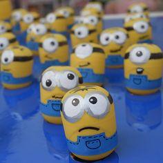 Die Minions sind derzeit die beliebtesten und niedlichsten Animationsfiguren. Wir haben die schönsten Minion-Bastelanleitungen und Minion-Malvorlagen gesammelt.
