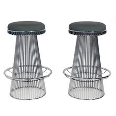 View this item and discover similar for sale at - Pair of Sculptural Chrome Bar Stools after Warren Platner, American, circa They are a versatile size and would work at a kitchen counter or bar. Chrome Bar Stools, Cool Bar Stools, Milan Furniture, Cool Furniture, Warren Platner, Modern Stools, Vintage Chairs, Foot Rest, Kitchen Design