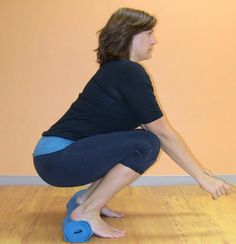 Alignment, pelvic floor, leg, and foot health, all courtesy of the neutral pelvis squat. Fitness Tips, Fitness Motivation, Health Fitness, How To Squat Properly, Birthing Ball, Pelvic Floor Exercises, Toning Exercises, Hip Stretches, Workouts