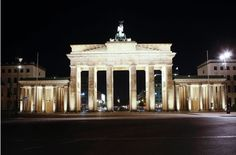 2009: The refurbished Brandenburg Gate is one of Germany's most famous landmarks.