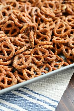 Easy Ranch Pretzels | Recipe | Ranch Pretzels, Pretzels and 3 ...