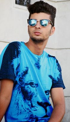 Blogger Mohssine Saffani wears Luke 'Eyeball Lion' t-shirt