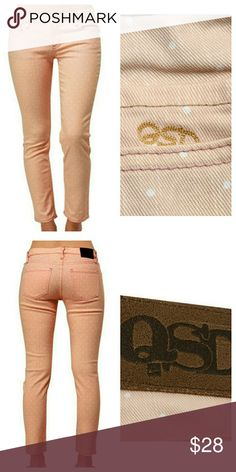"""{Quiksilver} Ballet Pink Skinny Dot Ankle Jeans Brand new with tags! Mint condition. Quiksilver Tama Crop Opal Polka Dot Jeans.   Product ID: #1140608 98% Cotton/2% Spandex  Quality embroidery, sewn-on brand patch, 28"""" inseam Two back pockets, two front pockets, zip fly with single button closure, front coin pocket. Quiksilver Jeans Ankle & Cropped"""