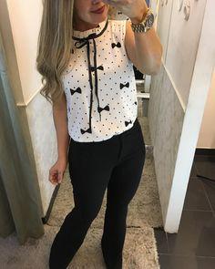 Blusa poá lacinho 99,90 P M G Cores : Branco e preto + calça flare botão 249,90 P M G ⚜️VENDEMOS PRA TODO BRASIL ❤️️FAÇA SEU PEDIDO PELO 📲31-995290424⚜️ 🚚FRETE GRÁTIS ACIMA 400,00 📦 frete grátis PAGAMENTO: 💳💵💶#moda#roupa#lojafemininabh#modabh#look##blusa#life#amo#moda#barropreto#belohorizonte #dress#advogada#juiza#detalhesqueamo#instagram #blogger#instafashion #instamodas #bh_photographers Business Professional Outfits, Business Outfits, Office Outfits, Curvy Outfits, Classy Outfits, Fashion Outfits, Girls Blouse, Clothing Patterns, Clothes