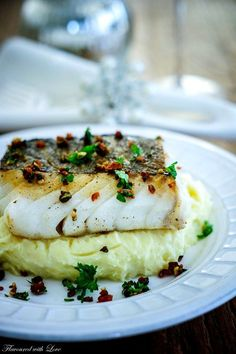 Skrei on Mascarpone puree with Chorizo Gremolata - Food & Drink ideas - Shrimp Recipes Grilled Fish Recipes, Shrimp Recipes, Salmon Recipes, Chicken Recipes, Chorizo, Gremolata, Baked Teriyaki Salmon, Seafood Appetizers, Simple Appetizers