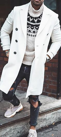 Stylish Mens Outfits, Casual Outfits, Chinese Clothing For Men, Black Outfit Men, Mens Winter Coat, Mens Boots Fashion, Mens Attire, Long Trench Coat, Well Dressed Men
