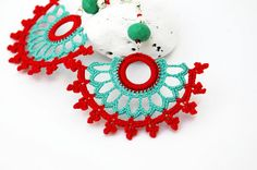 Crochet earrings - Large crochet earrings - Crochet earring jewelry - Red and turquoise green - Fan style