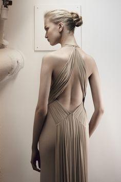 Sumptuous bandage dress by Hervé Léger. Famous bandage dress design and techniques to make your own.