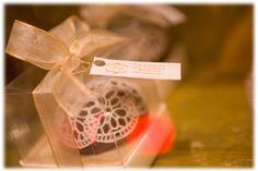Papelaria personalizada: tag de agradecimento do gift da recepção.
