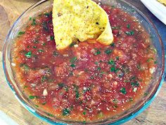 Quick and Easy Blender Salsa!  The quickest, easiest, most delicious   restaurant style salsa I've ever made!  Yummy afternoon snack. :-)