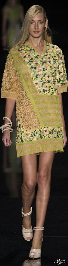 Animale Spring-summer 2015 - Ready-to-Wear Floral Fashion, Colorful Fashion, Diy Fashion, Fashion Dresses, Fashion Design, Spring 2015 Fashion, Spring Summer 2015, Short Dresses, Summer Dresses