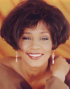 Whitney Houston ✾