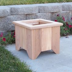 DIY & Home Project. If you want to grow some plants or vegetables in your yard, first you are going to need some good planter boxes. DIY planter box designs, plans, ideas for vegetables and flowers Cedar Planter Box, Wood Planter Box, Wooden Planters, Diy Planters, Planter Box Designs, Square Planter Boxes, Diy Wood Projects, Outdoor Projects, Woodworking Projects