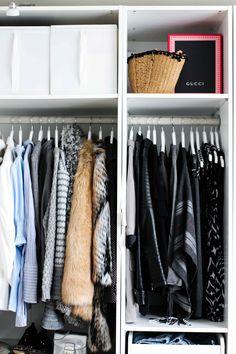 Mein Ankleidezimmer PAX Schrank Ikea #zeigdeinenPAX Ankleideschrank Blogger Kleiderschrank offen 2