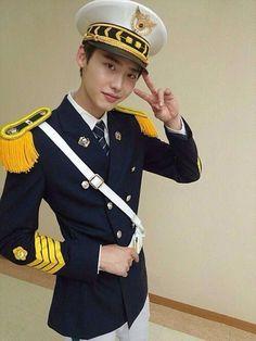 Lee Jong Suk :)