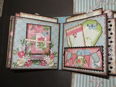 Paper Hoarder Disorder has done it again! This is her pattern for her wonderful Gate Fold book that is available at her Etsy shop. Mini Photo Albums, Mini Albums Scrap, Mini Album Scrapbook, Baby Mini Album, Journaling, Handmade Journals, Handmade Cards, Handmade Rugs, Mini Album Tutorial
