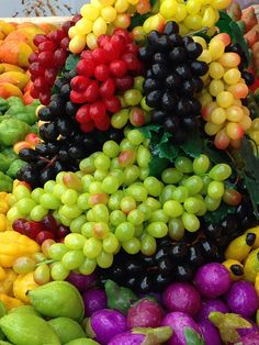 ~~Vibrant Grapes by ramnath bhat~~