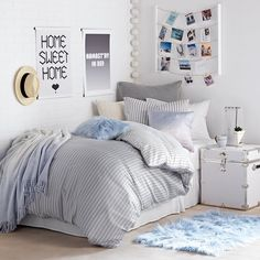 Girl Room Decor Ideas - How can I clean my room in 5 minutes? Girl Room Decor Ideas - How can I clean my room in 1 minute? Modern Bedroom Decor, Trendy Bedroom, Contemporary Bedroom, Bedroom Ideas, Modern Contemporary, Dorm Design, College Room Decor, Dorm Bedding, Bedding Sets
