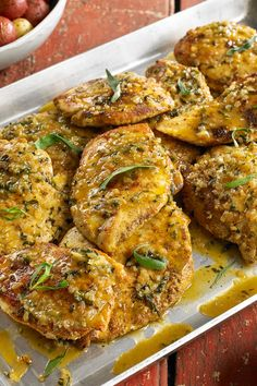 NYT Cooking: As the owner of the French Laundry, Per Se and Bouchon, restaurateur Thomas Keller is best known for haute cuisine, but he can do weeknight cooking, too. Case in point: this elegant and easy chicken dish that can be ready in about 20 minutes. Frango Chicken, Tarragon Chicken, A New York Minute, Oven Roasted Chicken, Baked Chicken, Wiener Schnitzel, Carne, Cooking Recipes, Nytimes Recipes