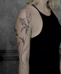 11 Of The Spectacular Nature Loving Tattoos for Girls to Look Perfect Right Now Girls With Sleeve Tattoos, Back Tattoos, Hot Tattoos, Pretty Tattoos, Beautiful Tattoos, Body Art Tattoos, Girl Tattoos, Tattoos For Women, Tatoos