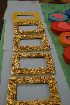 Bring back the old pasta crafts! Classroom Art Projects, Art Classroom, Pasta Kunst, Diy For Kids, Crafts For Kids, Pasta Crafts, Pasta Art, Picture Frame Crafts, Picture Frames