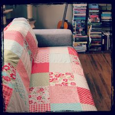 A simple quilt made with Moda vintage modern squares #crafts #quilting