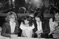 Peter Asher, Linda Ronstadt, Ronnie Wood and Jessie Ed Davis -1976 in Los Angeles - Peter was Linda's manager/producer at this point