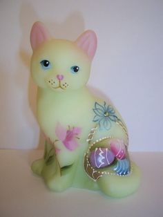 Fenton Glass Buttercream Easter Eggs Basket Sitting Cat GSE #7/26 J K Spindler