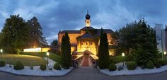 The Schloss Gabelhofen is a special retreat for those who need to unwind in the timeless and elegant setting of a truly astonishing castle. Das Hotel, Celebrity Weddings, Castle, Mansions, Country, House Styles, Austria, Places, Image