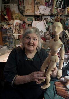 Lyndie Wright, puppeteer extraordinary, London