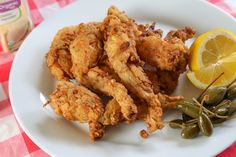 French-style battered and fried frog legs with a hint of Cajun seasonings. Wild Game Recipes, Cajun Recipes, Fish Recipes, Meat Recipes, Seafood Recipes, Cooking Recipes, Cajun Cooking, Cajun Food, Creole Recipes