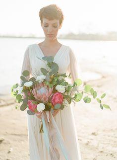 Ethereal Bridal Inspiration by the Sea | Wedding Sparrow | Amanda Watson Photography