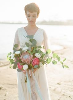Ethereal Bridal Inspiration by the Sea | Wedding Sparrow | Amanda Watson Photography