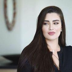 Beautiful Muslim Women, Beautiful Hijab, Most Beautiful Faces, Beautiful Girl Image, Sexy Ebony Girls, Muslim Beauty, Thick Girl Fashion, Cute Girl Face, Sleek Hairstyles