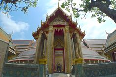 The front view of Wat Ratchabophit, awesome temple Bangkok