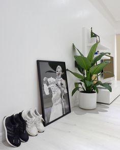 Home Theater Rooms Bedroom Setup, Small Room Bedroom, Small Living Rooms, Living Room Decor, Bed Room, Dorm Room, Bedroom Ideas, Minimalist Home Furniture, Hypebeast Room