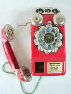 Sweet Vintage Metal Toy Phone