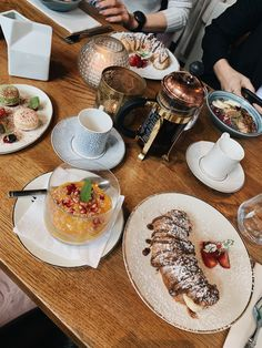 #misssophie #oslo #brunch #food #chiapudding #croissant Brunch Food, Chia Pudding, Croissant, Oslo, Sweet Tooth, Sweets, Healthy, Chia Pudding Breakfast, Gummi Candy