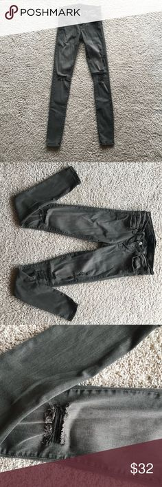 """Like-new✨Flying Monkey army green stretch skinnies Perfect condition! Worn a few times. Super cute and flattering super stretch skinny jeans that are """"destroyed"""" in style and an army green/ olive green in color. Brand is the amazing quality Flying Monkey!! One of my favs. Low-rise. Size 25. Regular inseam.  ✨don't forget to bundle to save!✨ Flying Monkey Pants Skinny"""